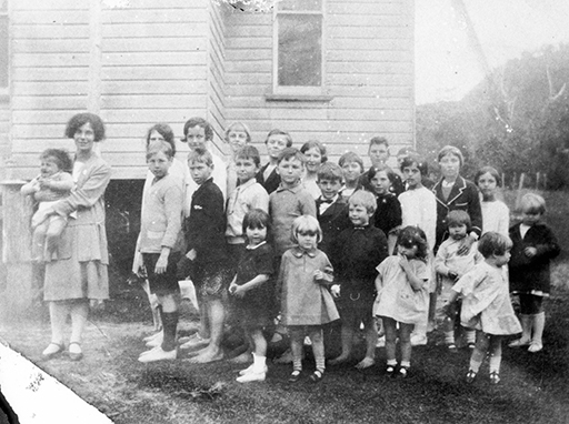 Pupils and teachers of the Coolum Provisional School, 1927